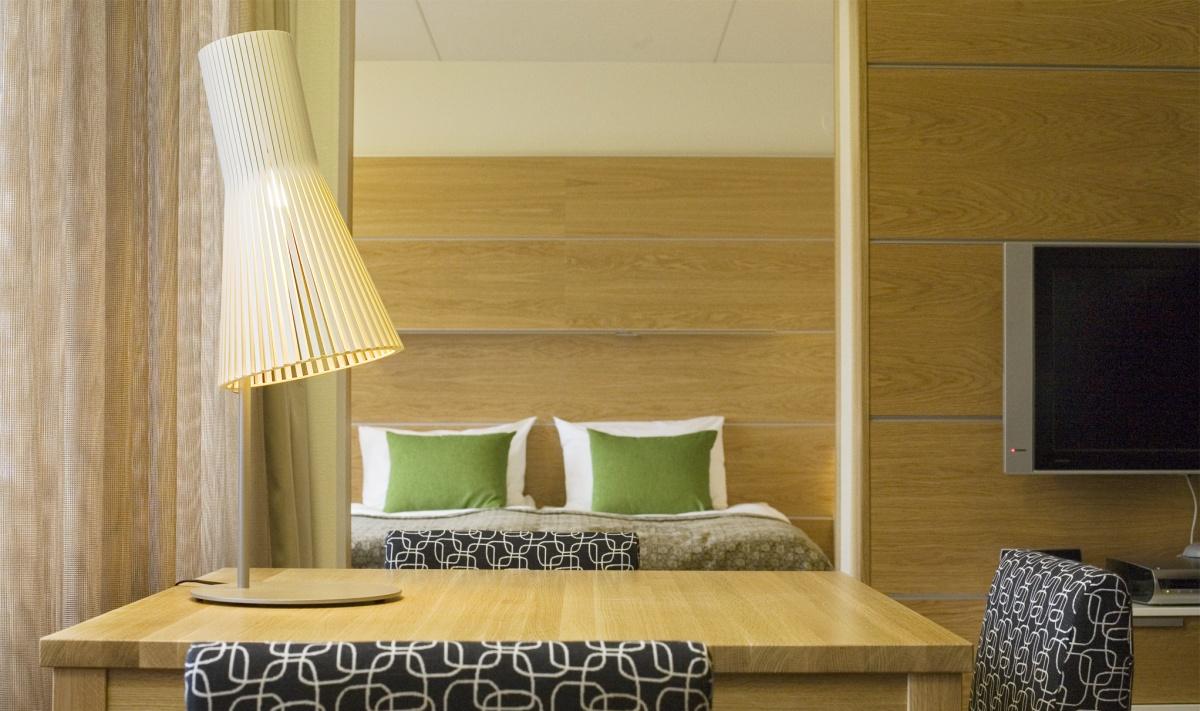 Secto 4210 bordslampa, Hotel Salpaus