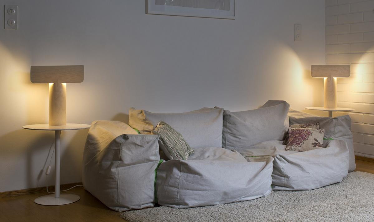 Teelo 8020 bordslampa från Secto Design i hemmiljö